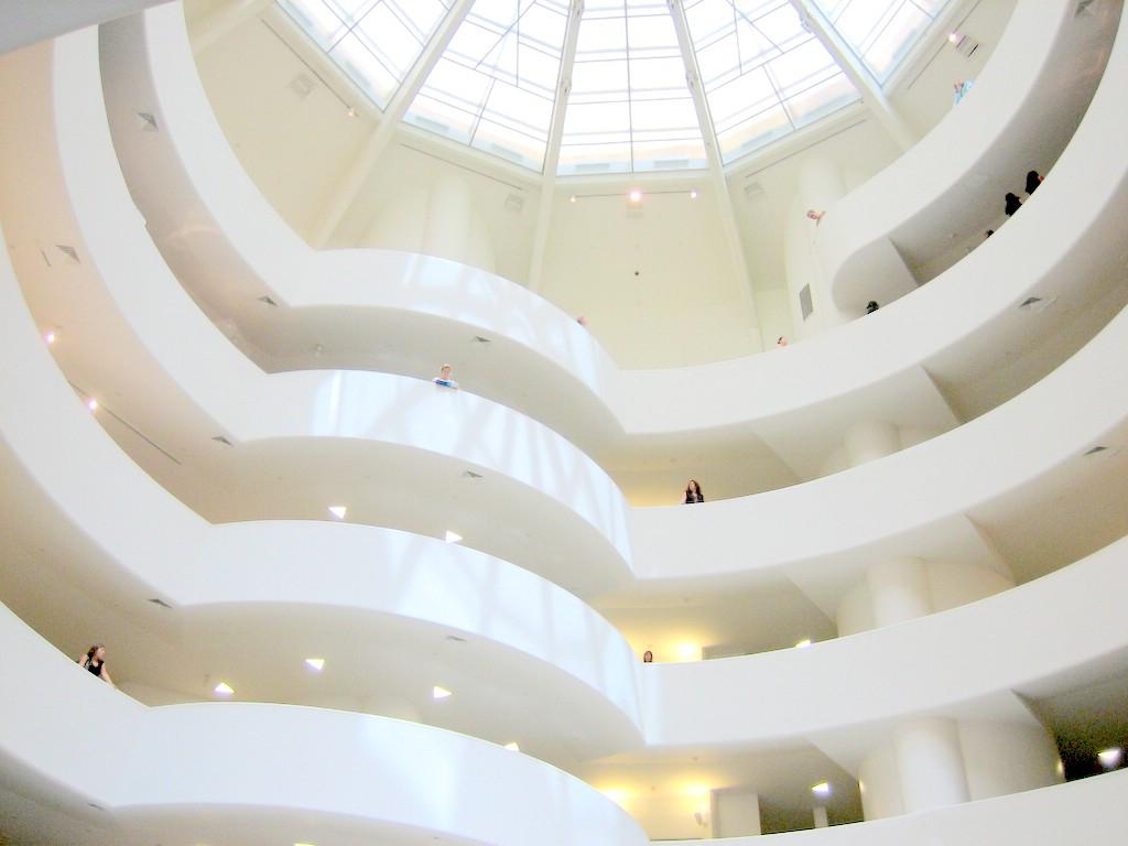 Guggenheim_New_York_interior_20060717.jpg